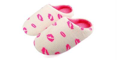 zapatillas de estar por casa con labios